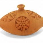 Orci e brocche in ceramica. Fiasca, oggetto d'uso domestico, artigianato Egiziano.