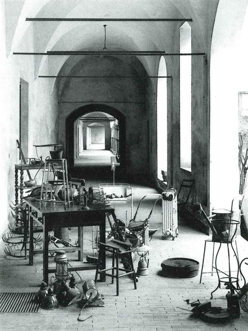 Oggetti emarginati, Scuola Umanitaria di Milano.